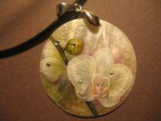 Купить Белая Орхидея - авторская роспись, роспись на перламутре, дизайнерские украшения, украшения с перламутром