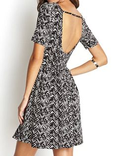 Black Wavy Stripe Backless Short Sleeve Dress | abaday