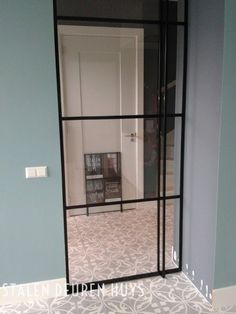 Stalen taatsdeur met glas en grondveer, Project Woerden Dekru iron framed doors taatsdeuren stalen deuren pivot deuren steel doors Interior And Exterior, Interior Design, Industrial Windows, Steel Doors, Door Design, Home Renovation, Sliding Doors, Glass Door, Home And Living