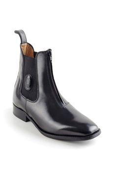 This Particular DeNiro short Riding Boot features a zip up the front of the boot and an elastic gusset for extra comfort with the DeNiro detailing.  It comes in a black grain calfskin leather with a leather sole.