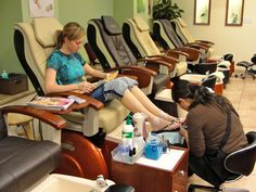 11 Startling Mistakes To Avoid When Running Your Salon | http://www.salongenie.net/blog/11-salon-mistakes-not-to-make/