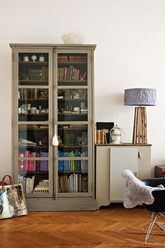 I like this a lot. Probably because it reminds me of a bookcase in my grandparents home a long time ago! http://www.oprah.com/home/Family-Room-Indoor-Decoration-Ideas/4