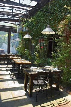 Industrial decor style is perfect for any interior. An industrial bar is always… Deco Restaurant, Outdoor Restaurant, Restaurant Design, Outdoor Cafe, Outdoor Walls, Outdoor Dining, Modern Interior Design, Interior And Exterior, Interior Garden