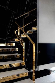 Top 10 Unique Modern Staircase Design Ideas for Your Dream House, Home Accessories, Modern Staircase Design Ideas - Stairs are so usual that you do not provide a second thought. Have a look at best 10 instances of modern staircase tha. Staircase Railings, Modern Staircase, Staircases, Staircase Ideas, Interior Staircase, Luxury Home Decor, Luxury Homes, Golden Decor, Railing Design