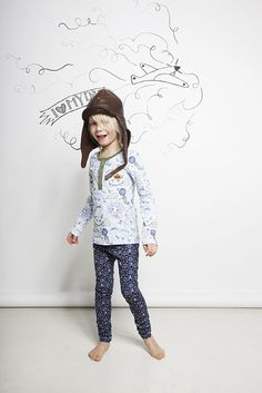 Swedish children live in these legging and T-shirts sets in winter just topping up outside the house with a big padded down layer, organic cotton fashion from Modéerska Huset for fall / winter 2013
