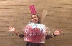 World's Best Candy Apple Costume! World's Best Candy Apple Costume! Halloween Costume Contest, Cool Halloween Costumes, Costume Ideas, Apple Sale, Candy Apples, Apple Candy, Fruit Costumes, Apple Costume, Homemade Costumes