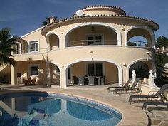 Huur een villa in Moravit, Javea, Moraira, Denia en omgeving dichtbij het strand met 6 slaapkamers, vanaf €179 per night. Voor een complete vakantie - HomeAway
