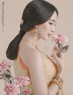 Dress : BOBO Studio / Model : ณฐพร เตมีรักษ์ / Makeup Artist : ปรีชา ดวงเพชร / Hair Stylist : ศราวุธ เรขาลิลิต / Photographer : ดวงพร ใบพลูทอง / Stylist : ศิริดา สาระศรี / Issue 150 / We Magazine Thailand, October 2016