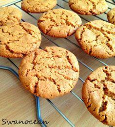 Swanocean: The easiest cookies ever-Πανεύκολα μπισκότα Easy Peanut Butter Cookies, Peanut Butter Cookie Recipe, Creamy Peanut Butter, Chocolate Chip Cookies, Cookie Recipes, My Dessert, Breakfast Snacks, 4 Ingredients, Sweets