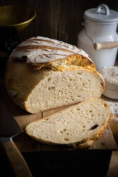 Dark Food Photography, Bread Bowls, Ciabatta, Pampered Chef, How To Make Bread, Bread Baking, Bread Recipes, Baking Blogs, Kitchenaid