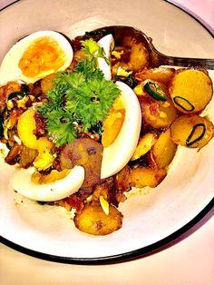 Tupun tupa: Pekoninen perunasalaatti sitruuna-sinappikastikkeella Dressings, Ramen, Salad, Ethnic Recipes, Food, Essen, Salads, Meals, Lettuce