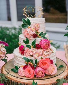 This delectable eye candy hits on our top 3 favs: Floral, Pink and Sugar to celebrate LOVE! xoxoPhoto: Ava Moore PhotographyCake: Deborah's Specialty Cakes