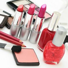 Makeup for many women is essential, especially the working girl's lifestyle seems to be incomplete without makeup and not wearing any could turn the day ugly for them. Every woman wants to have the best cosmetics but not everyone can afford them. So, let us have a look at how to find the best cosmetics at discounted rates.