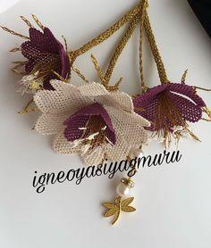 Görüntünün olası içeriği: çiçek Filet Crochet, Diy Flowers, Projects To Try, Stitch, Christmas Ornaments, Holiday Decor, Model, Blog, Instagram
