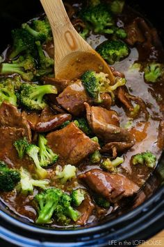 Low carb dinners beef broccoli beef with broccoli crockpot, crockpot beef recipes, sirloin steak Healthy Slow Cooker, Crock Pot Slow Cooker, Crock Pot Cooking, Slow Cooker Recipes, Beef Recipes, Cooking Recipes, Healthy Recipes, Crock Pot Beef, Crockpot Meals