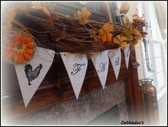 Debbiedoo's promises this fall banner is so easy peasy that she's almost embarrassed to give a tutorial! We're glad she did.