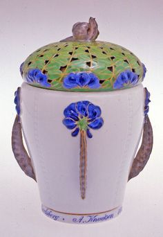 Covered jar: sweet pea Royal Copenhagen 1913