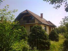 MBVK - Ingatlan árverési hirdetmények nyilvántartása Cabin, House Styles, Home Decor, Decoration Home, Room Decor, Cabins, Cottage, Home Interior Design, Wooden Houses