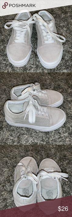 81fc9ff01d Girls Vans Old Skool Size 10.5 Kids Vans Old Skool Size 10.5 Excellent used  condition.
