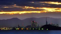 15 Oct.5:54 夜明け前の福岡市です。 before dawn at Fukuoka city in Japan