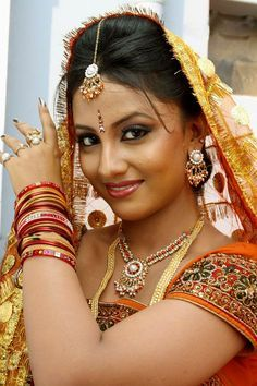 Riya Dey biography, details and personal facts - odia film star