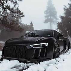 Top Luxury Cars, Luxury Sports Cars, Exotic Sports Cars, Sport Cars, Audi R8 V10, Audi Tt, Fancy Cars, Cool Cars, Outfits In Weiss