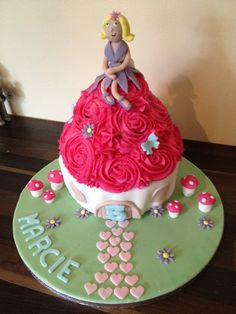 Fairy giant cupcake cake by Carly.