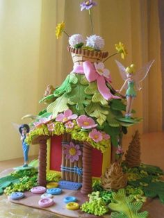 Tinkerbell house, love the leaf roof (sweet house cake) Fairy House Cake, Fairy Garden Cake, Garden Cakes, Fairy Cakes, Bolo Tinker Bell, Tinkerbell Party, Tinkerbell Birthday Cakes, Tangled Party, Fairy Birthday