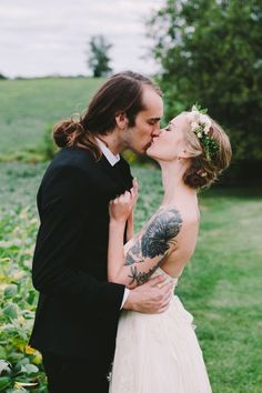 17 Stunning Brides With Tattoos   Diply