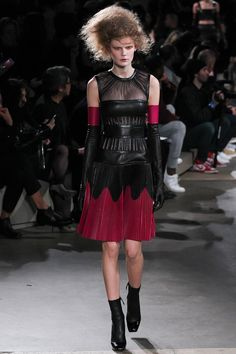 Alexander McQueen Fall 2015 <3 Eternal love! Sarah Burton is at her very best as a designer when she gets in touch with nature. Images of English roses, blooming, dropping their petals, and fading away, inspired her to relax, jettison hardness, and follow her own feelings.