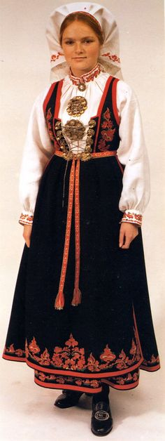 Costume and 'Rosemaling' Embroidery of West Telemark, Norway Folklore, Norwegian Fashion, Johnny Was Clothing, Costumes Around The World, Art Populaire, Stephane Rolland, Ethnic Dress, Folk Costume, Trends