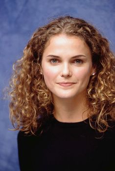 May 2019 - Felicity Press Conference - October 1998 - Keri Russell Gallery Keri Russell Hair, Keri Russell Style, Bad Hair, Hair Day, Permed Hairstyles, Cool Hairstyles, Long Curly Hair, Curly Hair Styles, Felicity Hair