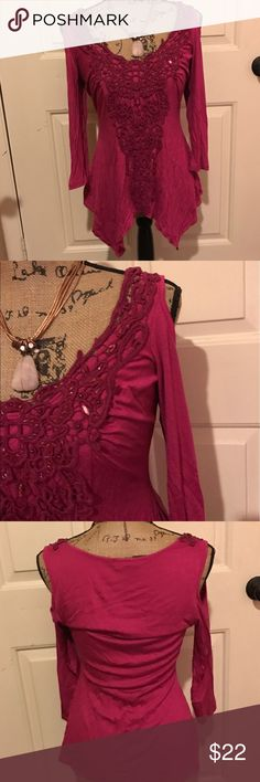 🆕 V҈e҈n҈u҈s҈ embellished cold shoulder top Super cute top! Preloved but lots of life left! Size tag missing but it's a small. 🛍Bundles of 5 or more items get 50% off!-either make offer on the bundle or comment on each item you want and I'll make a separate listing!🛍 📣Buyer responsible for extra shipping when likely to be over 5 lbs 📣 ❌Absolutely no trades!❌ 🔵Color may vary in person!🔴-inc. pink!  ◾️Serious buyers only!▪️ 😻 cat friendly home! 😻 🙏🏼thank you!🙏🏼 VENUS Tops Blouses