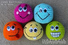 Basic Beginner Amigurumi Smiley Face Ball by Naztazia