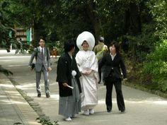 おこしやす名物「プチロケ」の一コマ。この時は当チーム各メンバーも若かった(笑)|「いい結婚式でした~!」 下鴨神社/京都の結婚式の画像 | 京都おこしやす日記/京都の結婚式情報