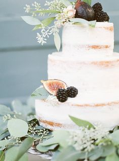 LOVE THIS the whole color story, the fresh greens, figs and blackberries reflecting (possible) flavors inside... so pretty