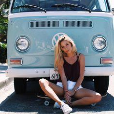 VWs and girls: Photo Volkswagen Transporter, Volkswagen Minibus, Bus Camper, Volkswagen Bus, Campers, Carros Vintage, Bus Girl, Combi Vw, Vw Vintage