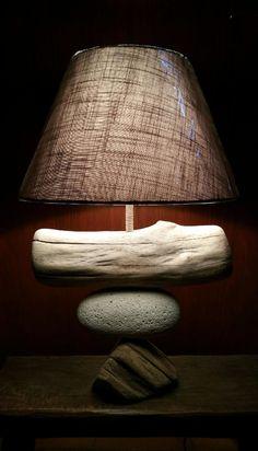 """Lampe """"laisse de mer"""" bois flotté - corde - galet"""