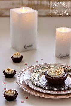 JA U KUHINJI...: Čokoladne šne korpice / Chocolate meringue pies