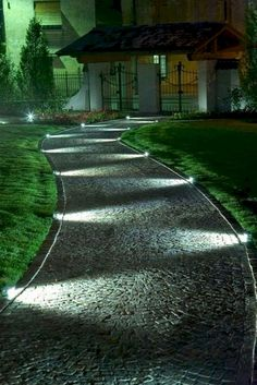 Garden paths, a driveway with lighting # driveway # lighting . - Garden paths, a driveway with lighting - Garden Path Lighting, Driveway Lighting, Backyard Lighting, Landscape Lighting, Outdoor Lighting, Lighting Ideas, Rope Lighting, Porch Lighting, Lighting Design