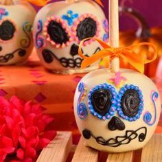 Día de Muertos Halloween Candy Apples, Halloween Cake Pops, Halloween Chocolate, Halloween Treats, Halloween Stuff, Halloween Party, Chocolate Covered Treats, Chocolate Apples, Caramel Apples