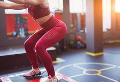 Esercizi glutei: il programma per tonificarli in 30 giorni – Melarossa Squat, Hiit, Personal Trainer, Sporty, Exercise, Gym, Workout, Pants, Style