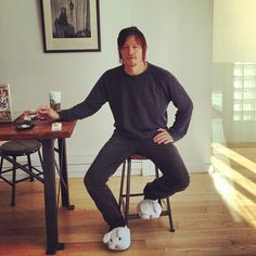 mistress-reedus:  dixon-ikra-reedus-dixon:  fuck :-) Love him :-) thanks babe @robertavitali1  Damn just damn. that man is perfect especially with bunny slippers!!!
