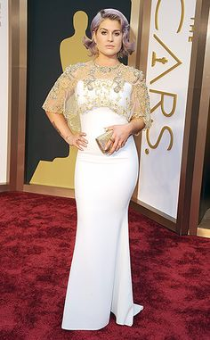 Kelly Osbourne looks glam in Badgley Mischka at the 2014 Oscars