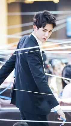于朦胧 Chinese Man, Eternal Love, Asian Actors, Celebs, Celebrities, Lunges, Asian Beauty, Actors & Actresses, Idol