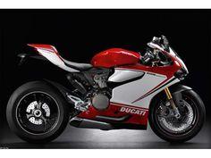 Extrema velocidad en dos ruedas es lo que la 1199 Panigale R de Ducati nos entrega en la nueva edición de esta moto deportiva.