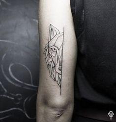 Geometric wolf by Gábor Zólyomi at Fatum Tattoo Budapestwww.facebook.com/fatumtattoo#geometric #wolf #tattoo #love