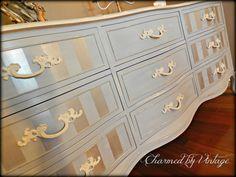 Francés Louis Blue Shabby Glam Drexel Dresser por CharmedByVintage