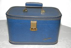 Hey, I found this really awesome Etsy listing at https://www.etsy.com/listing/160004922/vintage-starline-train-case-royal-blue
