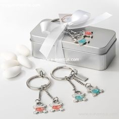 detalles · bautizo · personalizados · detalls · bateig · barcelona · tienda de detalles de bautizo · botiga detalls bateig · personalizados · diseño · recuerdo · detalle · regalo · invitados · llavero · madera · metal · niña · pañales · niño · rosa · azul · bolsa · kraft · papel · peladillas · lazo · nombre · chocolate · chupete · rosa · azul · colores · bolsa · algodón · blanca · grabado · gemelos · mini llavero · caja · metal